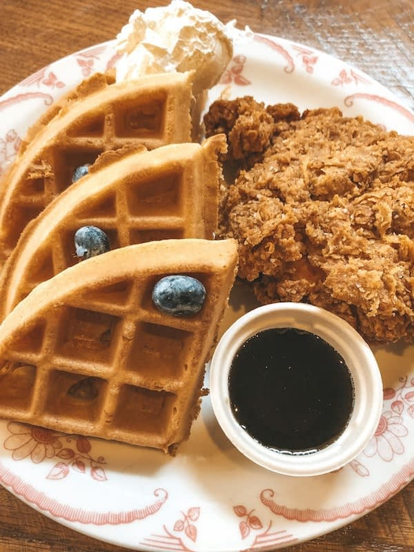 Poogan's Porch - Chicken and Waffles - Travel by Brit