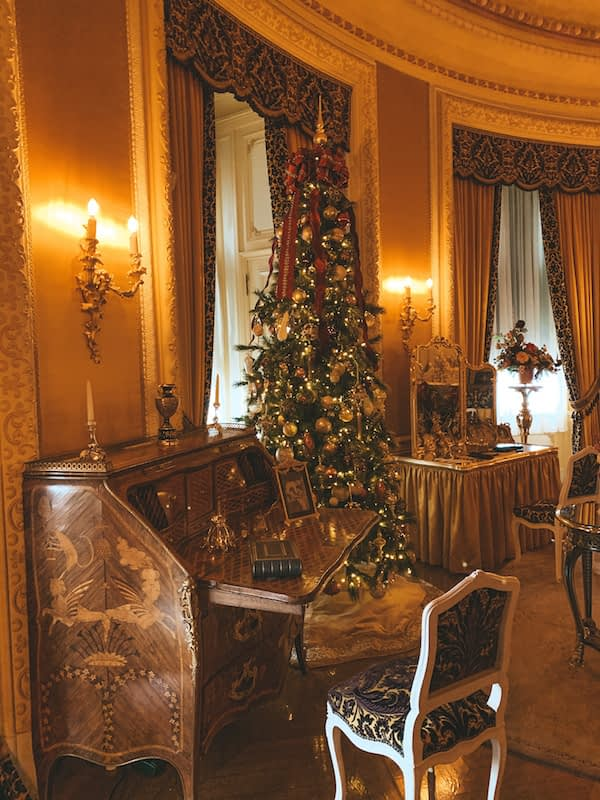 Christmas Decor in the Biltmore